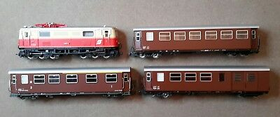 HOe scale Roco set of OBB electric loco & 3 brown coaches in super condition