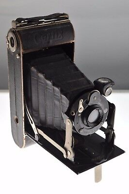 Gauthier Certix folding camera 1930s. Complete original condition. Rare!