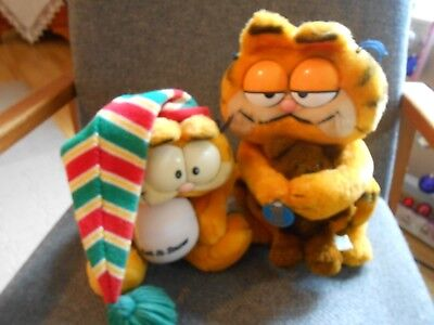 Vintage  Plush Garfield 1 Puppet 1978 1 Holding Mookie By Dakin 1981