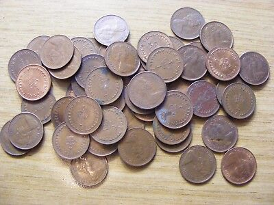 A Collection of 50 Half Penny Coins - Dates 1971 - 1982 may be some younger