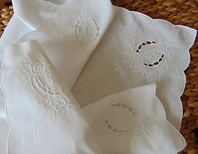 Vintage Floral Embroidery Scalloped Edges Snow-Cotton Tablecloth Vgc