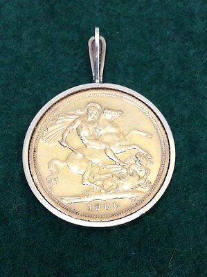1966 Yellow Gold Sovereign 22 Carat Coin in Pendant Elizabeth II British