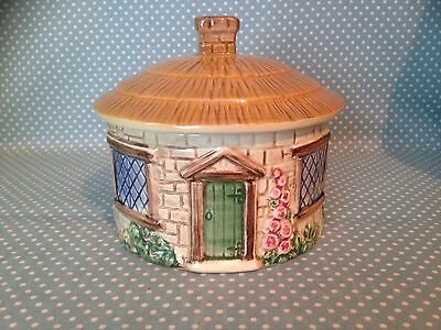 Vintage Sylvac Pottery thatched roof cottage sugar bowl with lid. Patt 4816.
