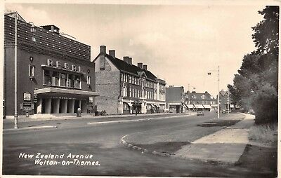 Surrey Walton-On-Thames New Zealand Avenue Regal Cinema & Shops Photo Card