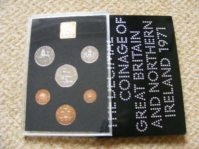 ROYAL MINT UK Proof Coin Set 1971 some Toning