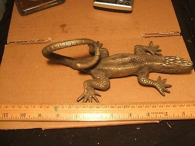 Vtg Cast Metal Figural Iguana Lizard Reptile Desk Paperweight Metal Sculpture