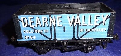DE056 Vtg Peco Dearne Valley No 64 Model Railway Train Car OO Gauge