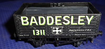 DE055 Vtg Peco Baddesley 1311 Model Railway Train Car OO Gauge