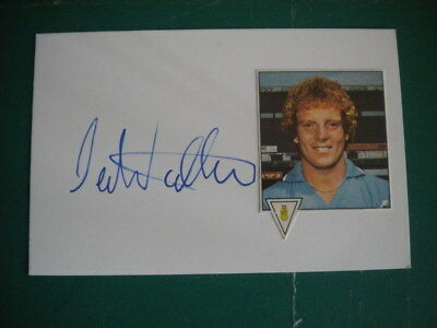 Ian Wallace - Dumbarton, Coventry, Notts Forest & Sunderland - Signed Card