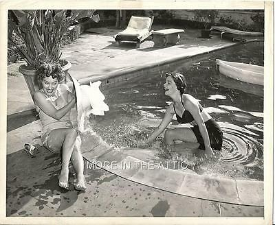 Gloria Swanson At Age 50 Original Vintage News Wire Candid With Daughter