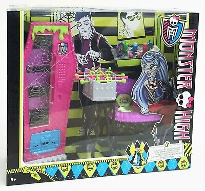 Monster High BJR21 Student Lounge - Social Sports Accessory Playset Mattel