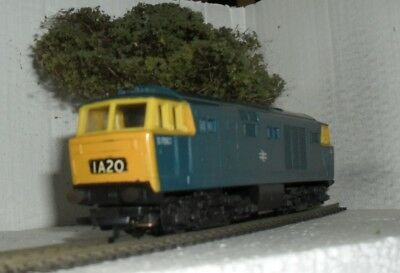 Hornby Class 35   Diesel Electric Locomotive In Br Blue Livery