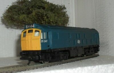Hornby Class 25 Bo-Bo Diesel Electric Locomotive In Br Blue Livery