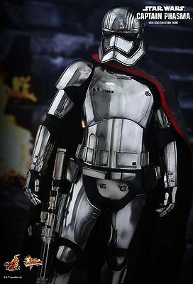 Sideshow Collectibles Hot Toys Star Wars Captain Phasma 1:6 scale action figure