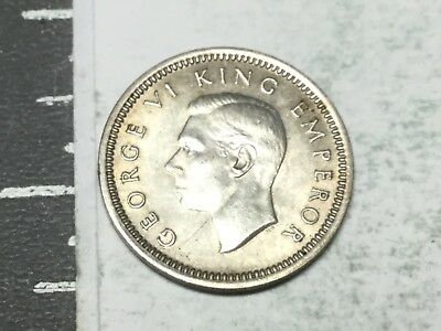 NEW ZEALAND 1942 Three pence coin excellent condition