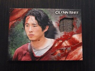 2016 The Walking Dead Survival Box Glenn Rhee Shirt Relic