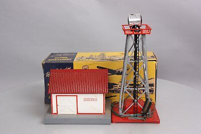 American Flyer 585 Tool Shed & 769 Plastic Aircraft Beacon