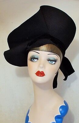 AMAZING FRENCH 1940s VINTAGE STRUCTURED FELT AND VELVET HAT WONDERFUL HIGH BRIM