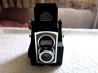 Classic Vintage Ross Ensign Ful-Vue Super 620 Film Camera In Good Condition