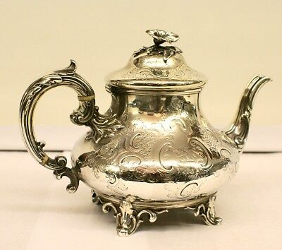 Elegant Sterling Silver TEAPOT by Edward & John BARNARD, London England 1851-61