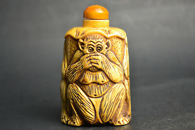 China Vintage Collectible Decor Old Bone Carving 3 Monkey Theme Snuff Bottle