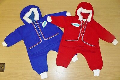 2 x VINTAGE 1970s UNUSED RED & BLUE POODLE FLEECE BABY PRAM SUITS AGE 6-9 MONTHS