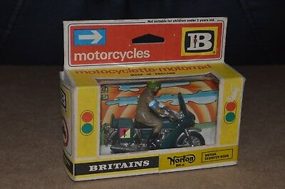 Vintage Britains No. 9672 WW2 British Dispatch Rider Norton 850cc Bike Boxed MIB