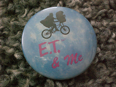 vintage 1982 E.T the extra terrestrial badge usa import