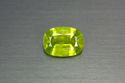 2.940ct EXCELLENT NATURAL EARTH MINED RARE 3A GREEN COLOR SPHENE TITANITE RUSSIA