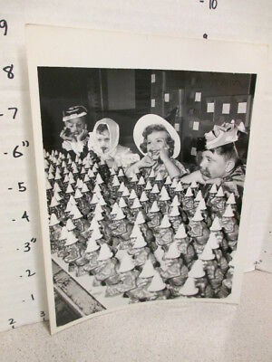 vintage toy photo 1962 halloween candy factory chocolate witch,devil mask kids