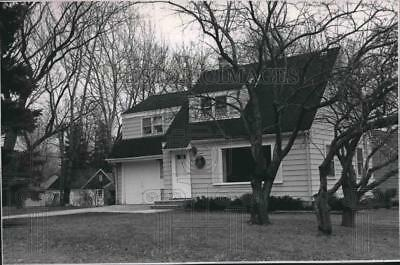 1989 Press Photo Cape Cod style home for sale in Wauwatosa, Wisconsin
