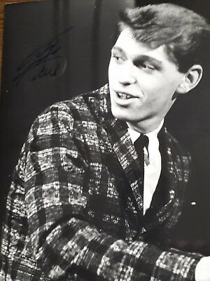 Autograph 10x8 photo signed by Georgie Fame