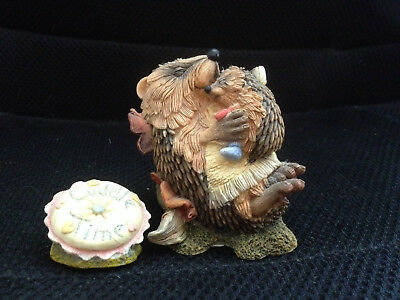 Country Artists Hedgies figure, 'Cuddle Time' with cushion plaque, fairy garden