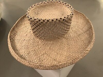 Beautifully Handwoven Heirloom Hawaiian Pandanus Hat (4/4) - No Reserve
