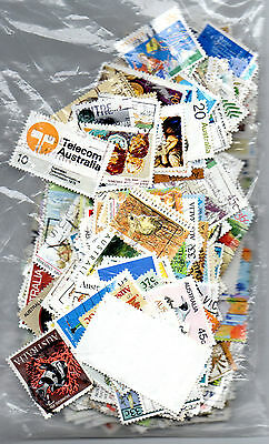 Australia - Collection of approx 500 used stamps mostly different