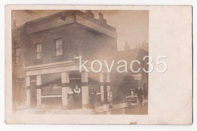 TWO CROWNS PUBLIC HOUSE - RP PC c.1905 - (possibly: SHOREDITCH, LONDON ??)