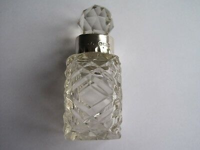 Scent bottle with sterling silver collar Birmingham 1901
