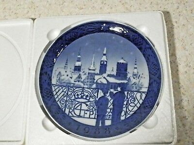 "1988 Royal Copenhagen Christmas 7 1/8"" Plate ""christmas Eve In Copenhagen"" Mint"