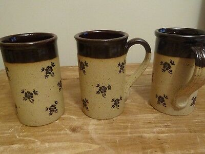Retro Set Of 3 Stoneware Mugs By Madrigal England -Beige / Tan Flower