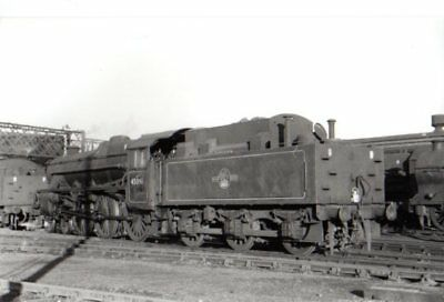 Rail Photo LMS 460 Black 5 Carlisle Upperby shed MR Cumbria 45081