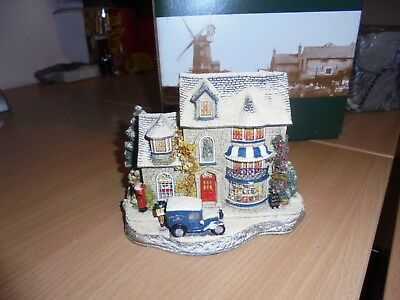 Lilliput Lane Christmas Cake  Cottage