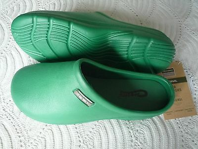 NEW Town & Country green CLOGGIES--Size 9 adult.