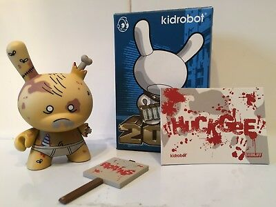 kidrobot 2011 series case exclusive dunny huck gee zombie (signed)kaws/designer