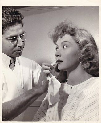 GLORIA GRAHAME WALLY WESTMORE Make-up Original CANDID Vintage 1940s Studio Photo