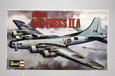 Revell Boeing Fortress II A 1:72 Art-Nr H-213