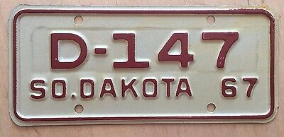 """1967 South Dakota Dealer Motorcycle Cycle License Plate """" D 147 """" Sd 67"""