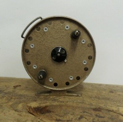 Vintage centrepin fishing reel grice young avon royal for Center pin fishing