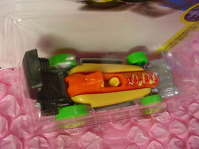 NEW! STREET WIENER #331✰hot dog/bun/grill;5sp green✰CITY WORKS✰2017 Hot Wheels Q