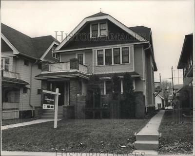 1989 Press Photo A four unit duplex for sale at $46,000, or to rent, Milwaukee.