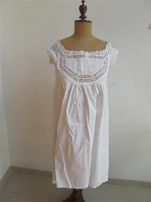 ANTIQUE ROMANTIC VICTORIAN WHITE COTTON & EMBROIDERED WHITEWORK NIGHTGOWN c1890